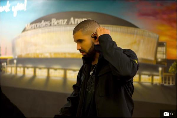 Drake Applauds Kendrick Lamar For DAMN.'s Huge Album Sales
