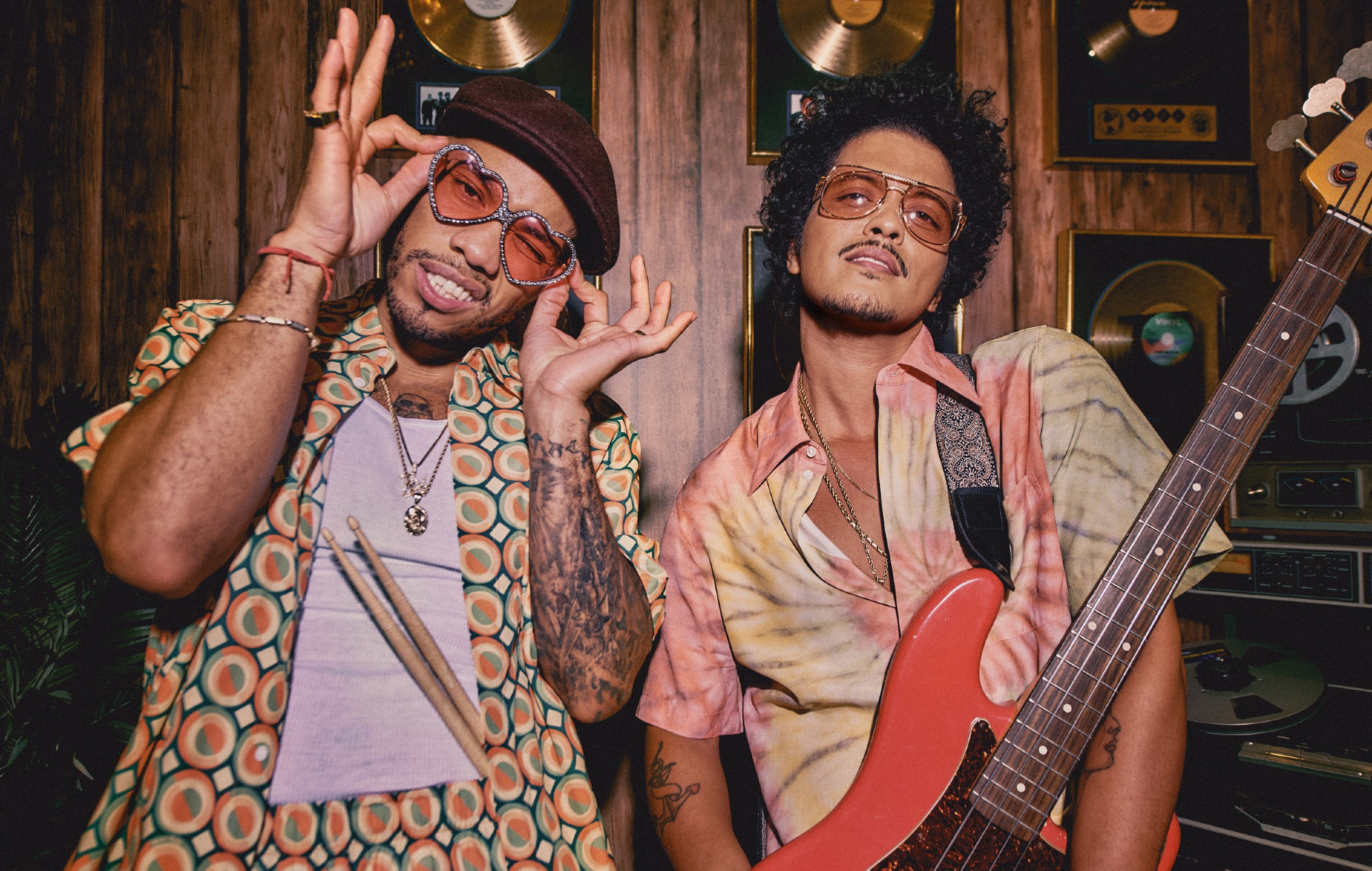 """Bruno Mars And Anderson .Paak's Silk Sonic """"Leave The Door Open"""" is on fire"""
